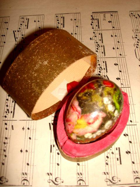 Dresden egg