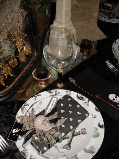 Halloween table 1