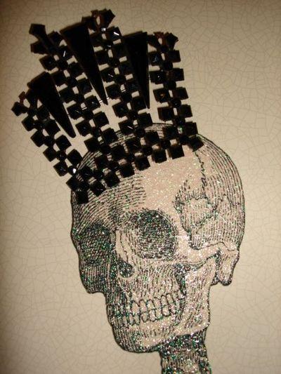 Skull jet crown