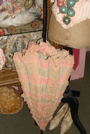 Crepe paper parasol