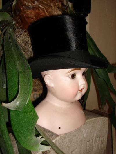 Miniature top hat 2